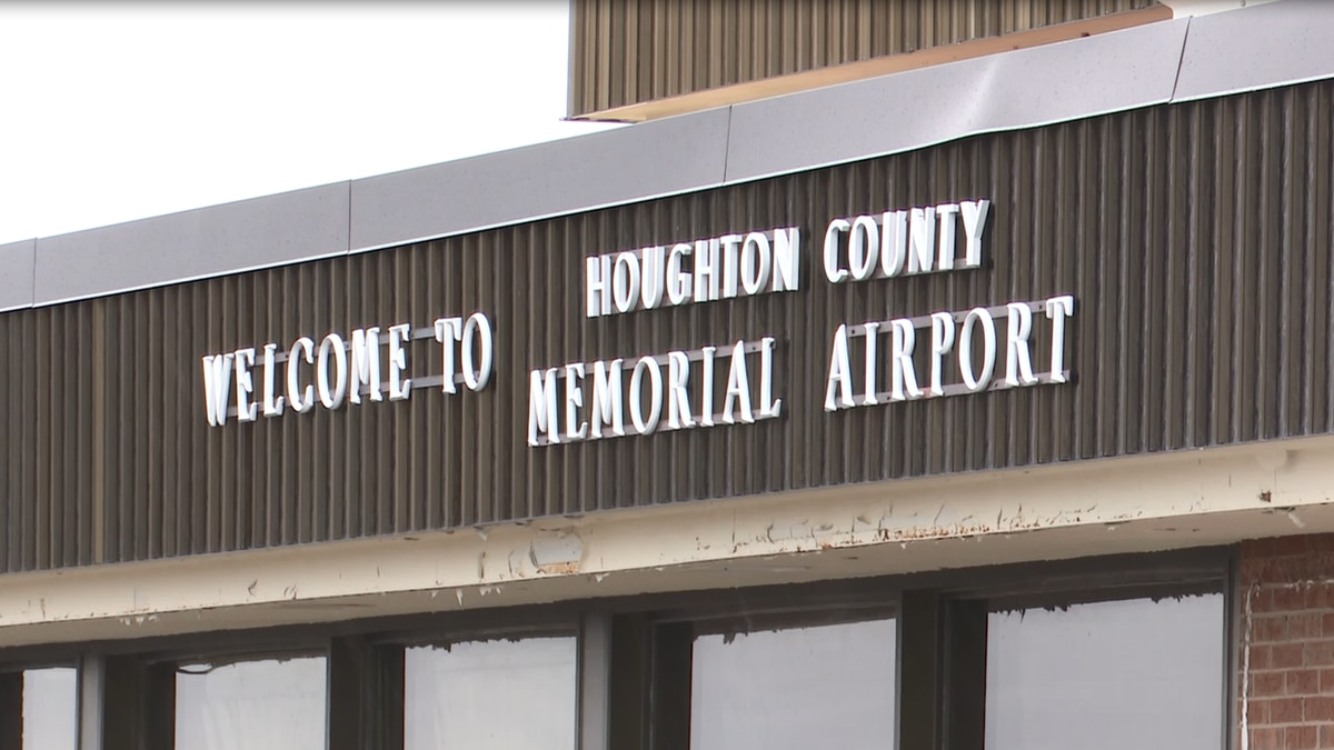 Welcome to Houghton County Memorial Airport sign.
