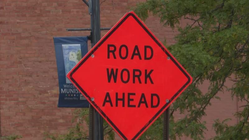 FILE. US-41 Munising work road work ahead sign.