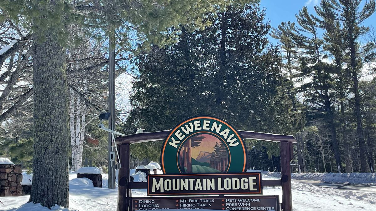 The Keweenaw Mountain Lodge is located right off 41, just before you get into Copper Harbor.