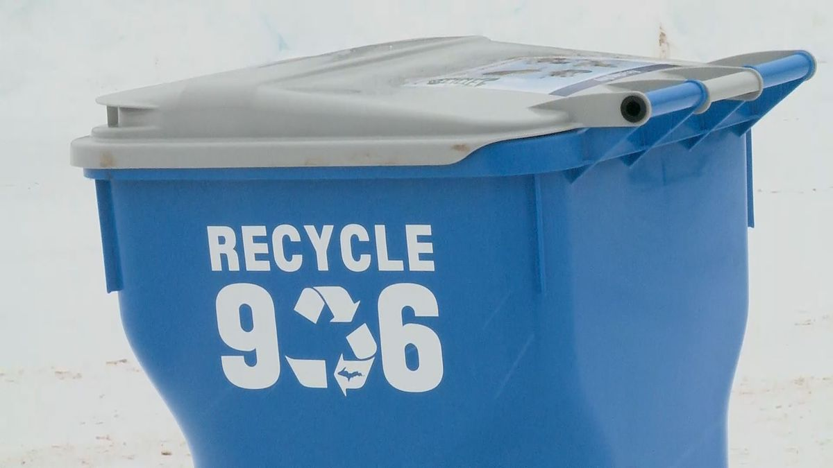 A Recycle 906 cart is seen in Dec. 2019.