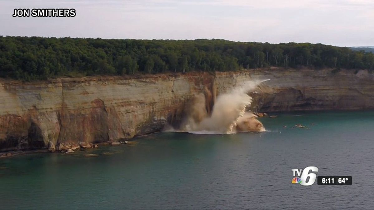 A massive cliff falls into Lake Superior at Pictured Rocks National Lakeshore on Aug. 12, 2019, narrowly missing a group of kayakers on a tour. (Image courtesy: Jon Smithers)