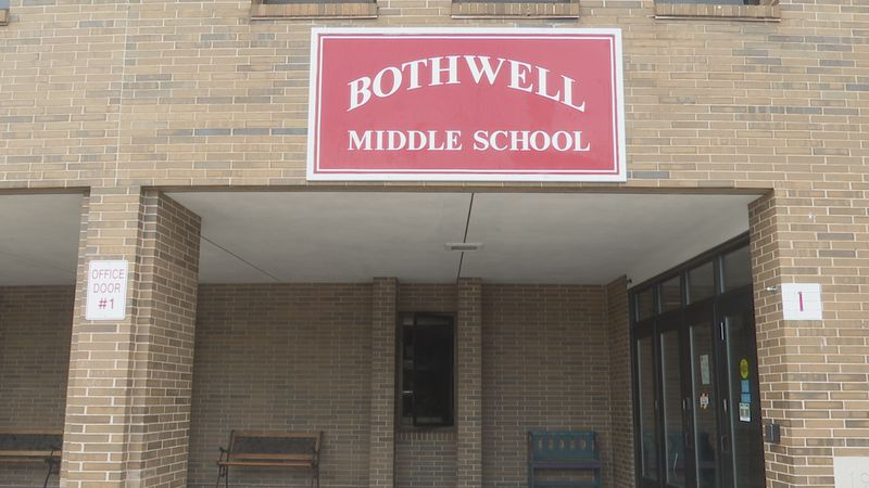 Front entrance of Bothwell Middle School