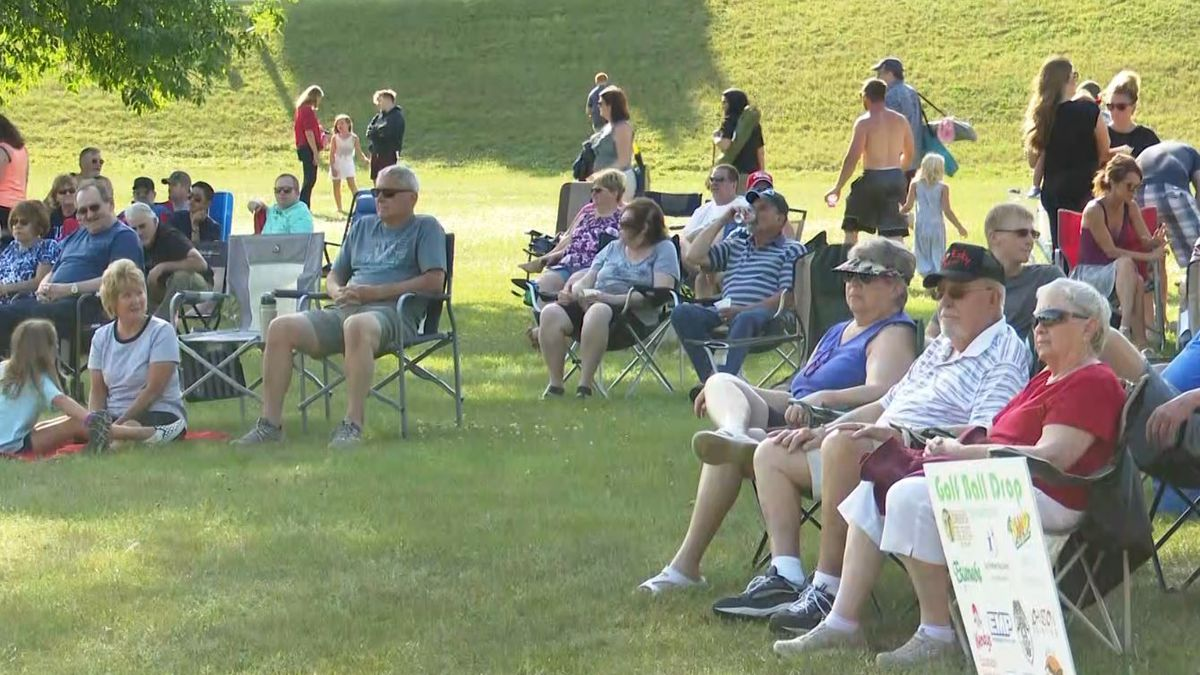 People gathering in Escanaba last year. (WLUC photo)