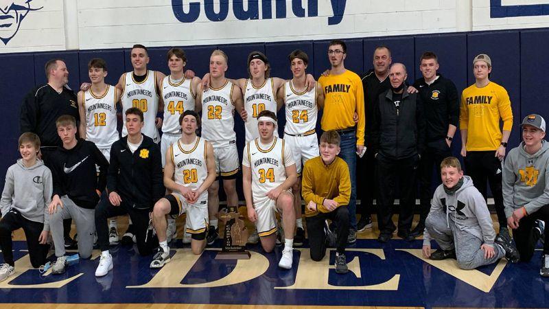 The Iron Mountain boys basketball team after their Regional Final win.