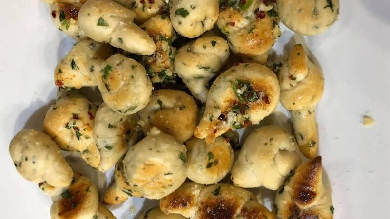 Homemade garlic knots, recipe courtesy of the Yooper Goddess.