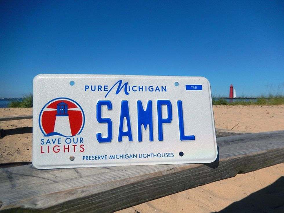 Sample license plate for Michigan's Save Our Lights.
