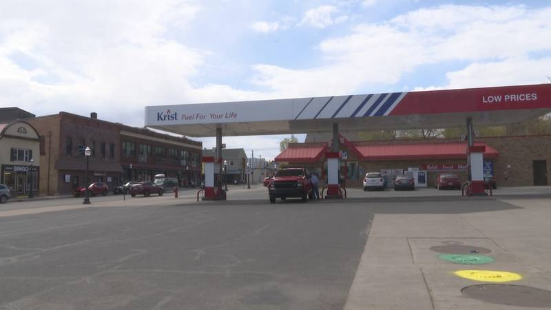 Michigan drivers are now paying an average of $3.05 per gallon for regular unleaded.