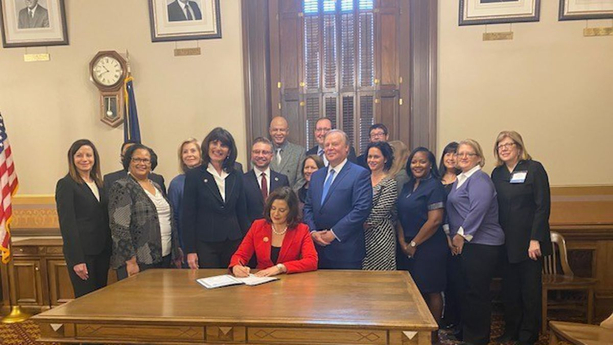 Gov. Gretchen Whitmer signed the 2020-2022 State Service Plan outlining the Michigan Community Service Commission's vision for volunteerism in Michigan for the next three years. (MCSC Photo)