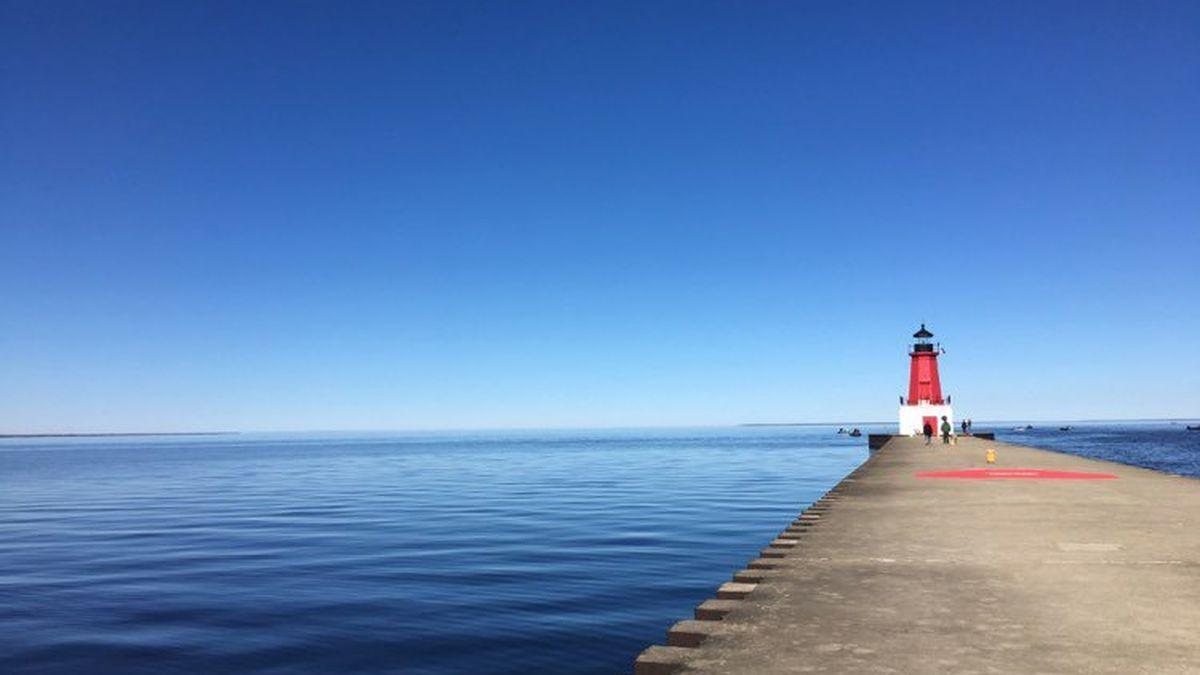 Menominee Lighthouse Pier