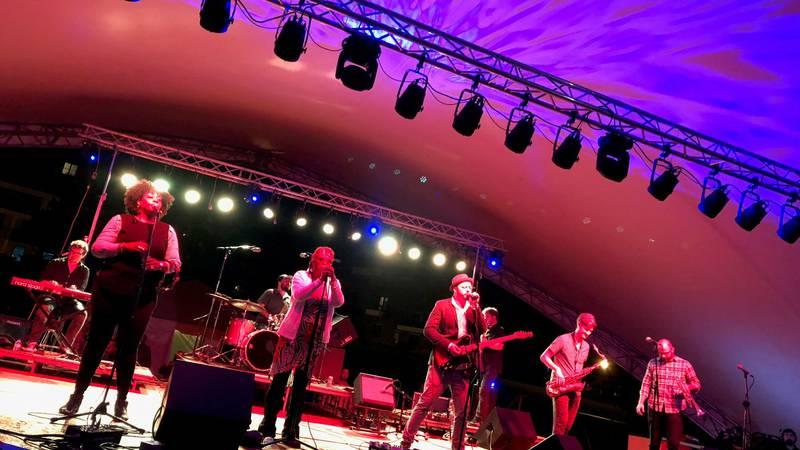 Bumpus performs at HarborFest 2018. (WLUC image)