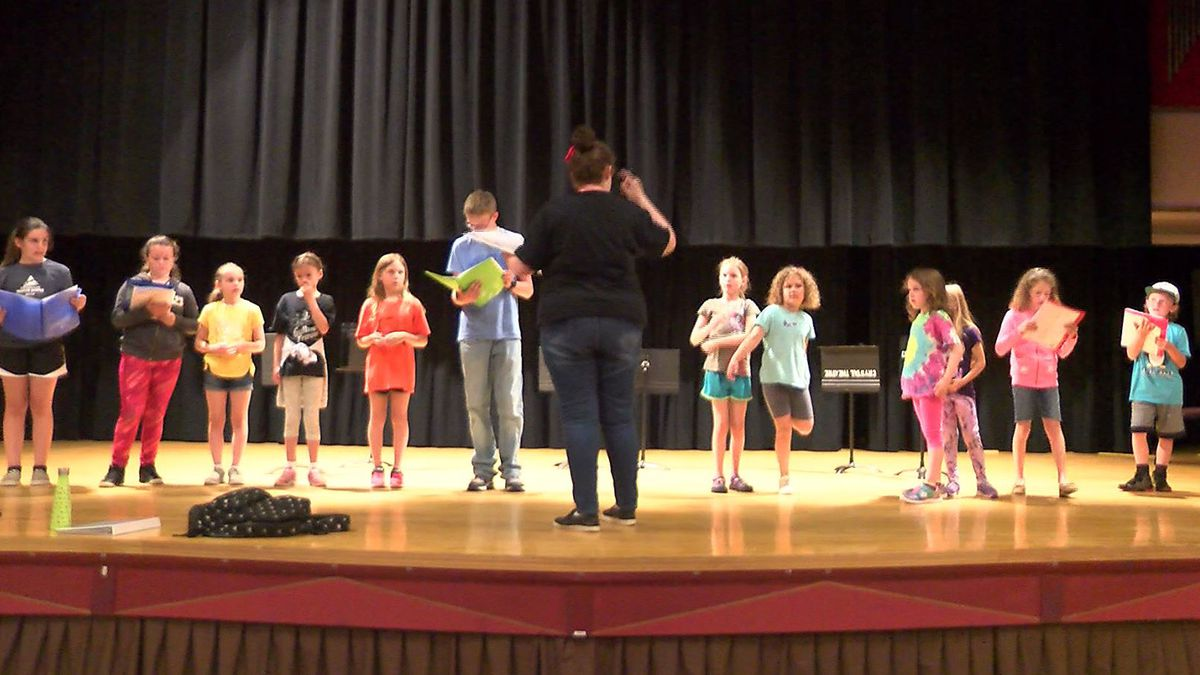 """Kids learn their lines and rehearse for """"Gulliver's Travels."""""""