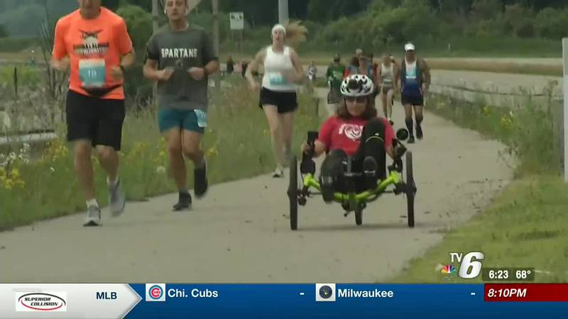 Andrea Peet competing in the 2021 Mish Waterfront Marathon in Gladstone.