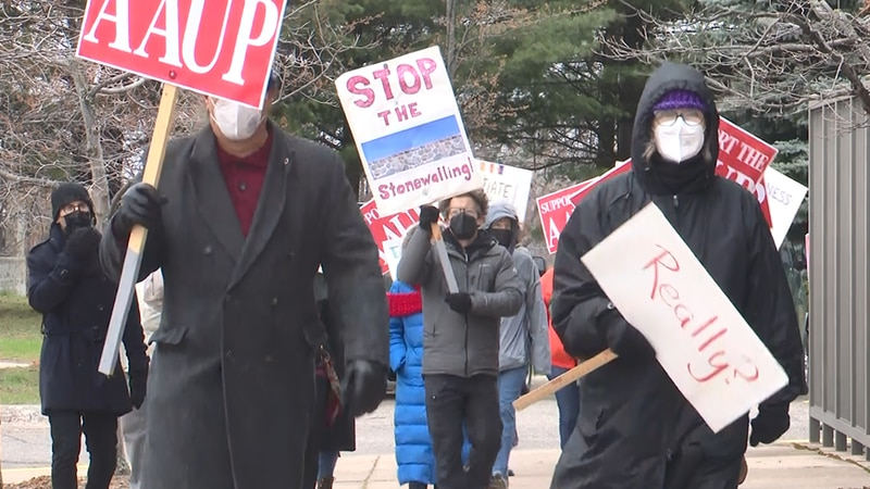 AAUP and other union workers rally to NMU administration building