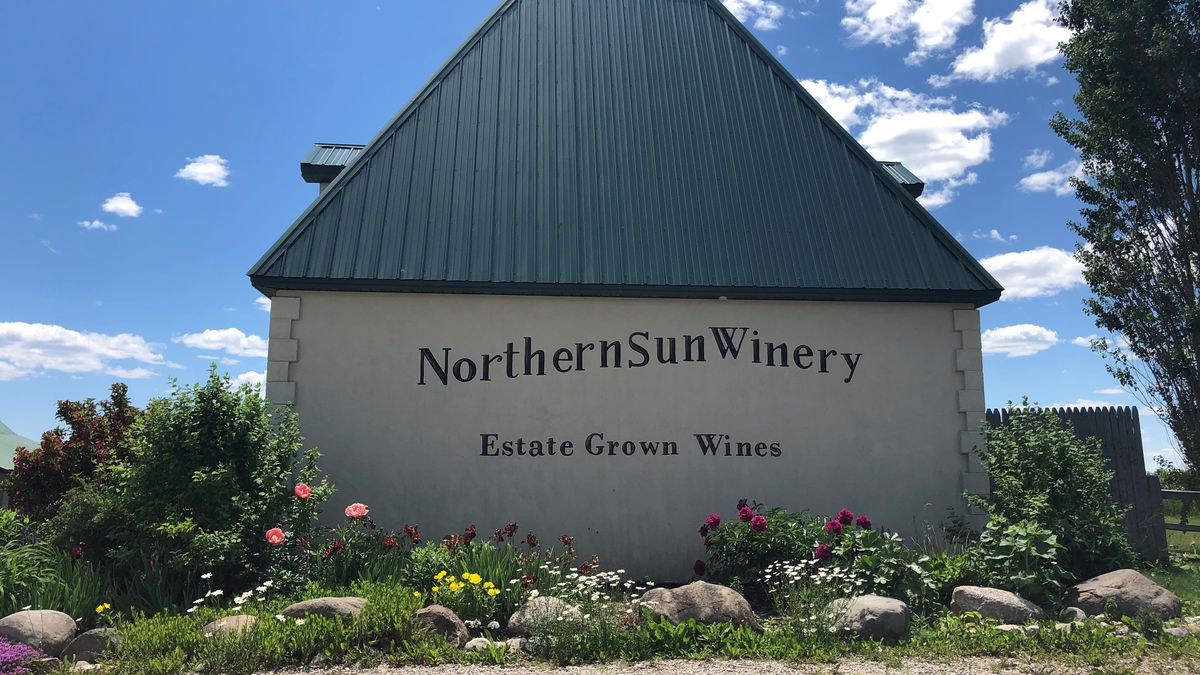 Tasting room at Northern Sun Winery. (WLUC photo)