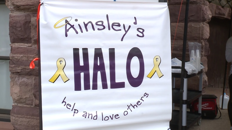 Ainsley's Halo sign for lemonade stand in Marquette