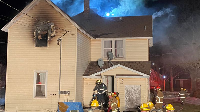 Fire destroys upstairs apartment